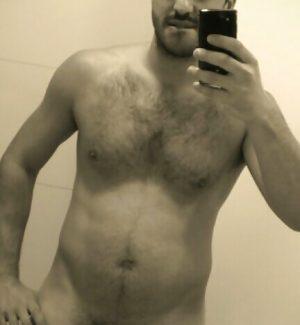 Selfie perso d'un beau gosse portugais
