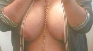 Selfie réunionnaise sexy