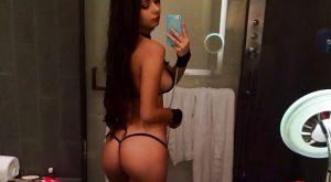 Selfie danseuse nue